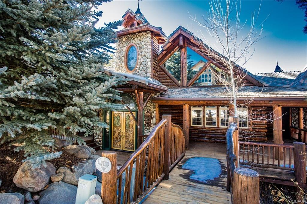 Photo of home for sale at 42042 Eagles Nest, Big Bear Lake CA